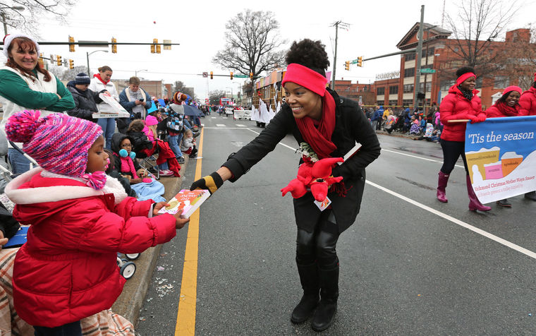 richmonds official christmas mother maya smart spreading some cheer at this years christmas parade